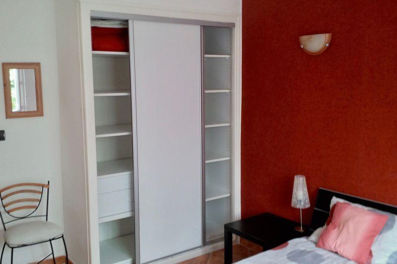 15.-Built-in-wardrobe