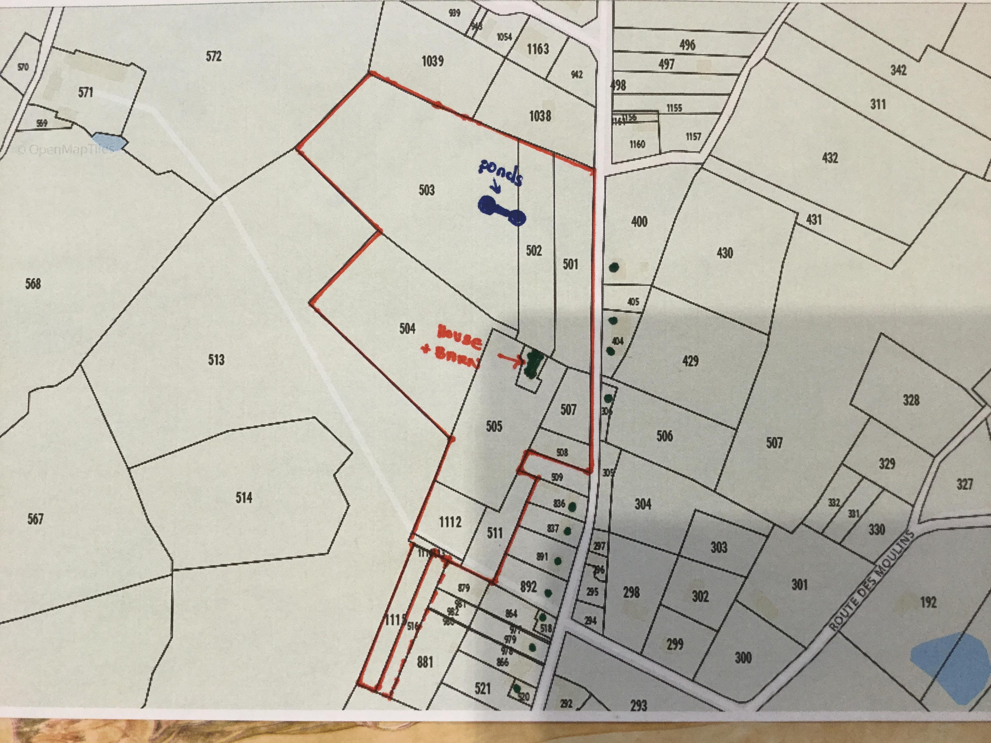 Cadastral plan. The property is outlined in red. G