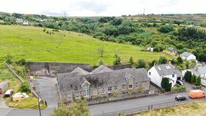 Darenfelin, Llanelly Hill