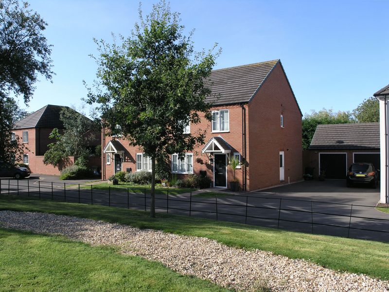 Thatchers Barn Drive