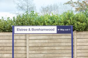 Elstree Way