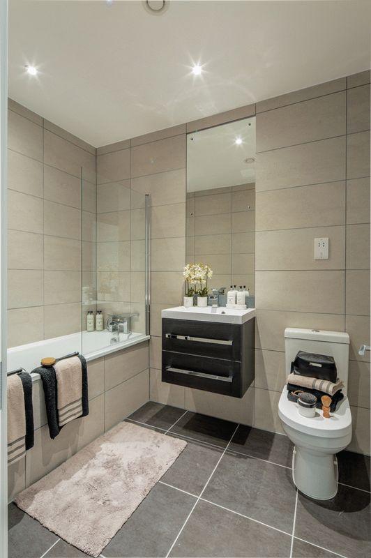 Bathroom (Show Flat)