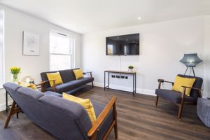 Apartment 9 Clifton Green