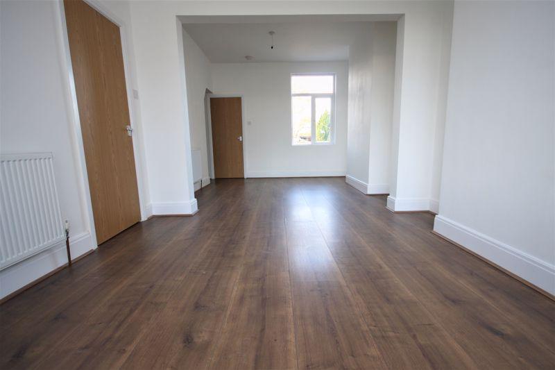 Living room+Dining Room