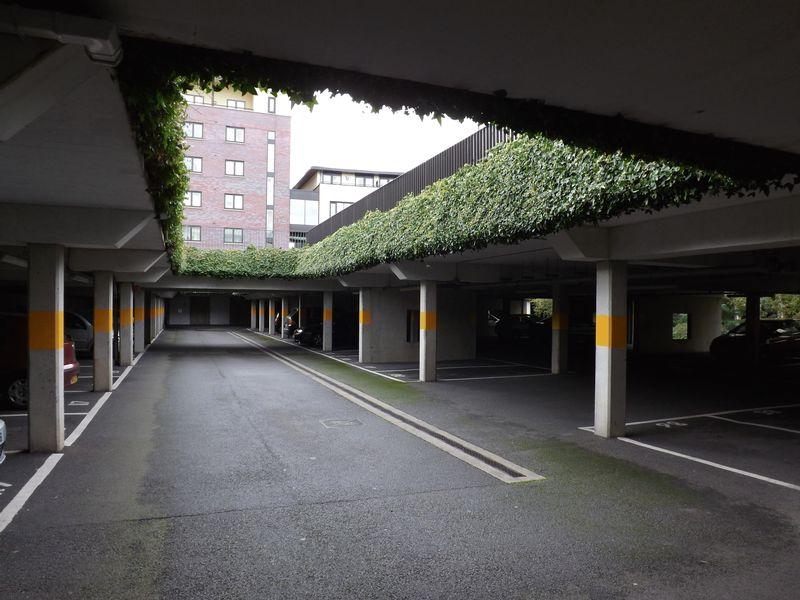 Huntley Crescent