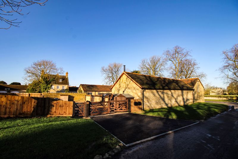 Village Street Hinwick