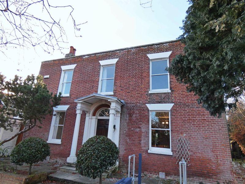 9 High Street Wingham