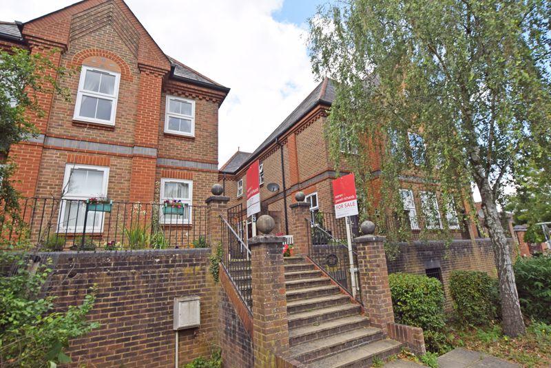 Stratford House Drayman's Way
