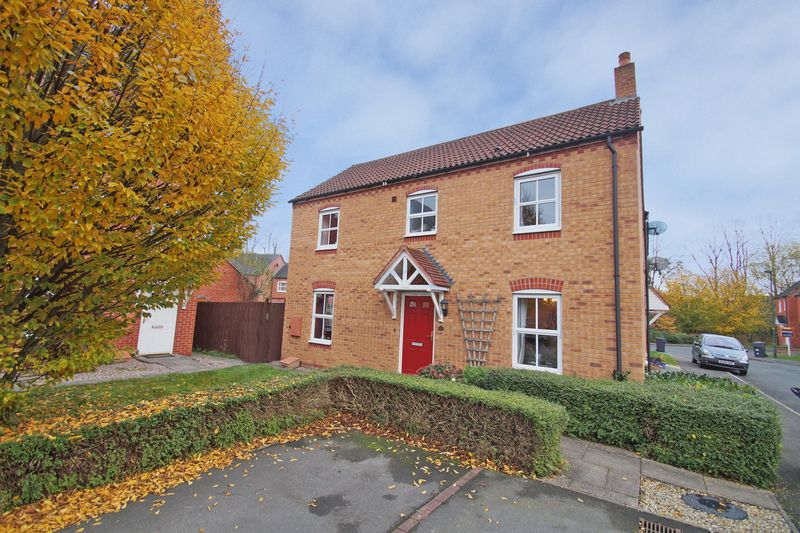 3 Bedrooms Property for sale in Iron Way Breme Park, Bromsgrove