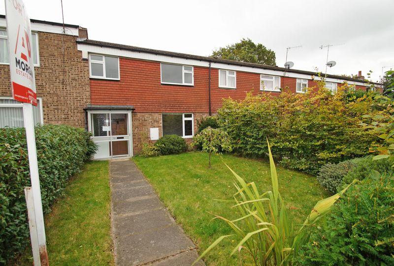 3 Bedrooms Property for sale in Spenser Walk Catshill, Bromsgrove