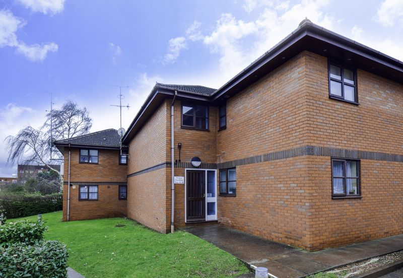 1 Bedroom Property for sale in Priory Gardens, Droitwich