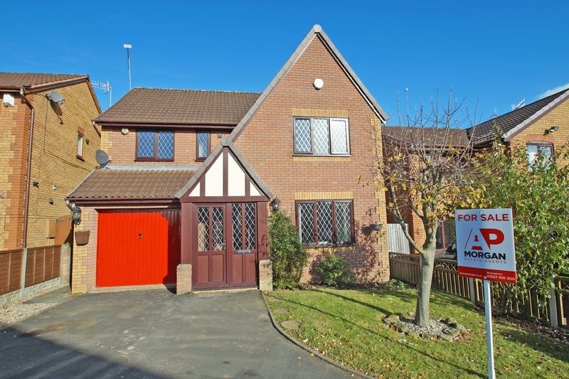 4 Bedrooms Property for sale in Foxglove Way Lickey End, Bromsgrove