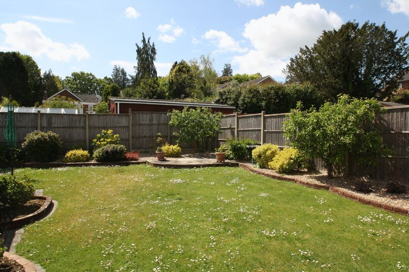 Provene Gardens Waltham Chase