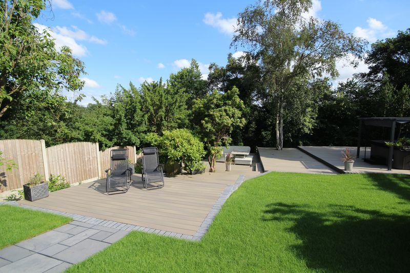 Gardens & Decking