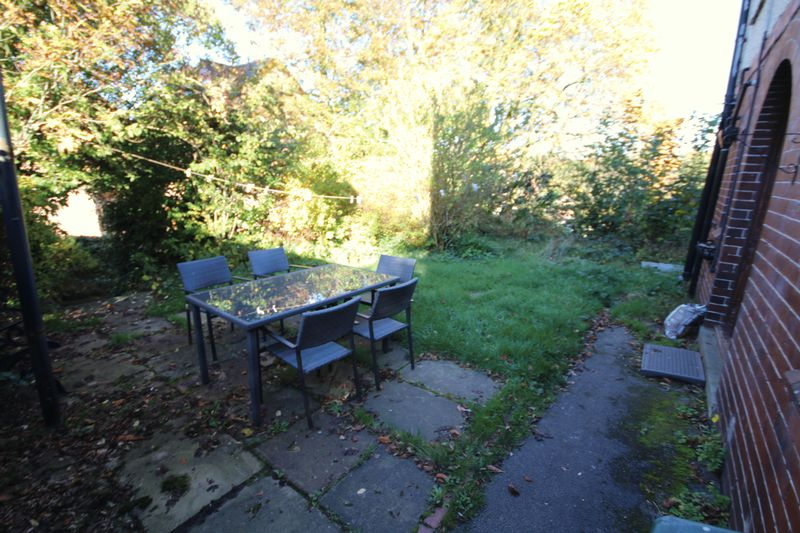 Garden (Side)