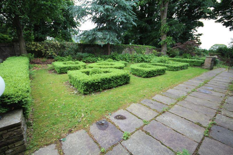 Garden (Front)