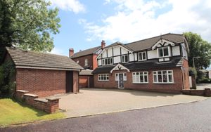 Peaslake Close Romiley