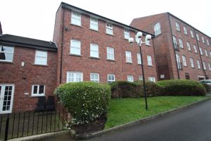 Manor Road Woodley
