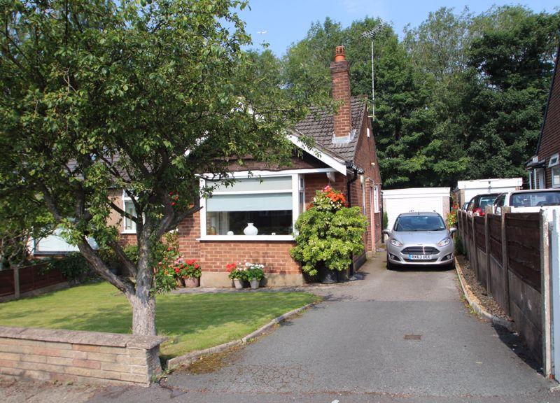 Cambridge Drive Woodley