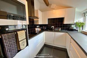 4B Kitchen