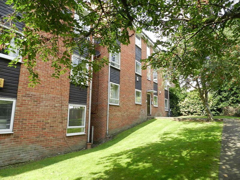 Welton Grove Hyde Park