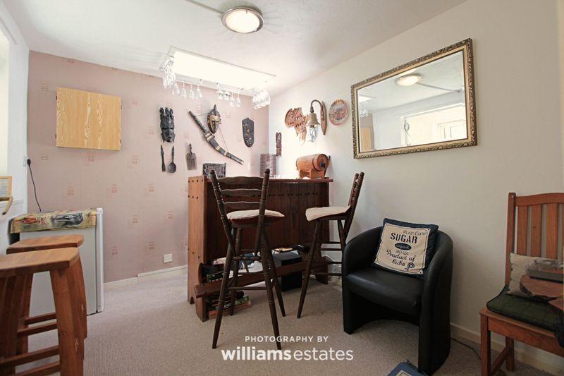additional room / Bar