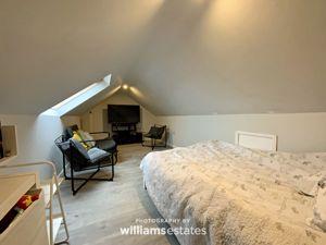 Loft bedroom 4
