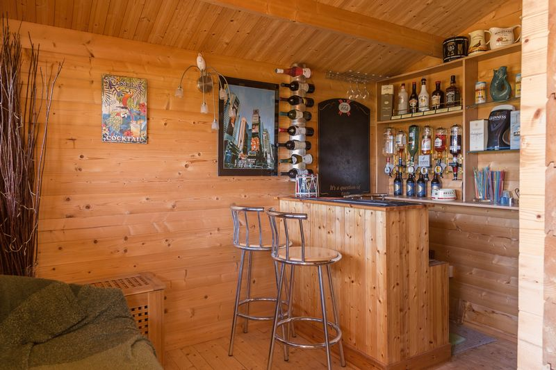 Summerhouse bar