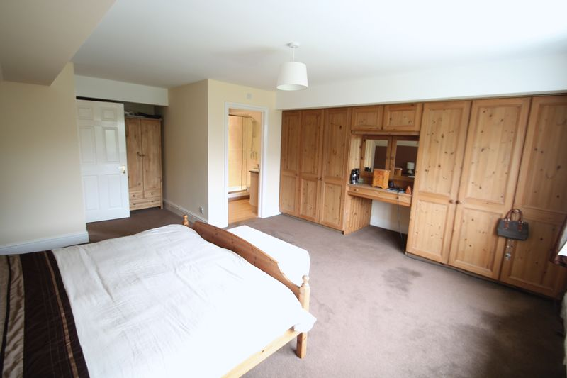 Master Bedroom To Ensuite