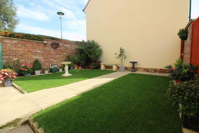 Linnet Gardens