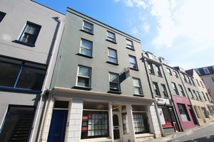 ** UNDER OFFER WITH MAWSON COLLINS ** Flat 2, 22 Le Bordage