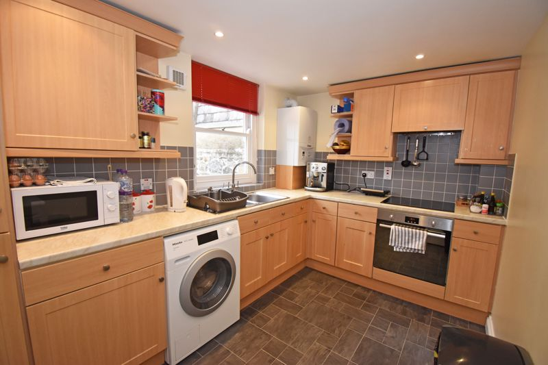 ** UNDER OFFER WITH MAWSON COLLINS ** Flat 2, Faber House, Contree Mansell