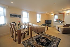 ** UNDER OFFER WITH MAWSON COLLINS** Apt. 5 Perrons House, R