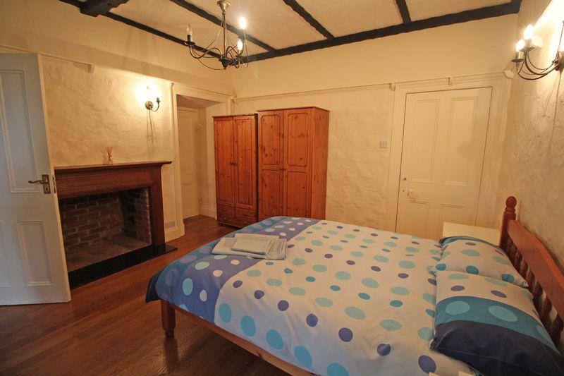 ** UNDER OFFER WITH MAWSON COLLINS ** Room 3 & 4, Carlton Lodge, Rue du Presbytere