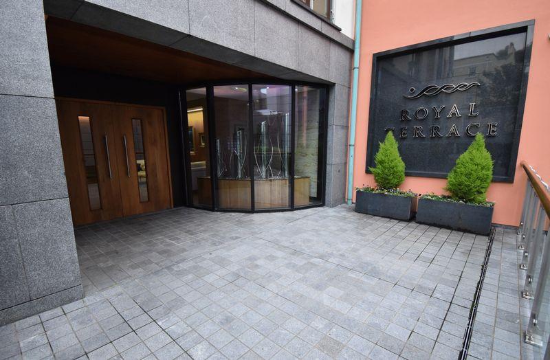 Apt 2, Fougere House, Royal Terrace Glategny Esplanade
