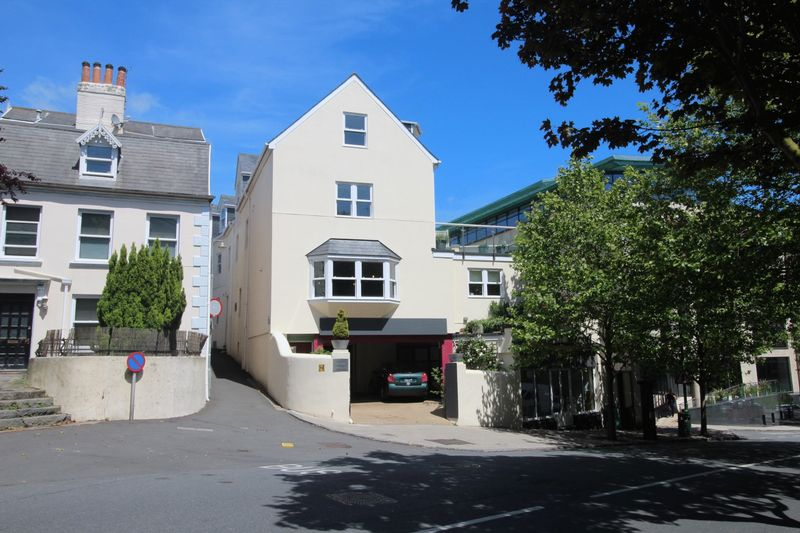 Coombe House, St Julian's Avenue