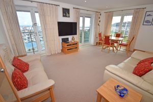 ** UNDER OFFER WITH MAWSON COLLINS ** Apt 9 Fougere House Royal Terrace, Glategny Esplanade