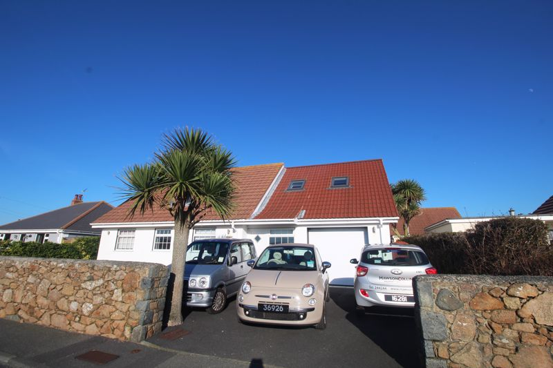 ** UNDER OFFER WITH MAWSON COLLINS ** Footnote, Les Grandes Rocques
