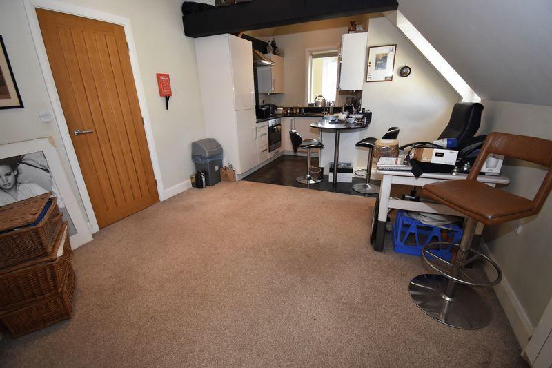Apartment 4, Maple Place Vauvert