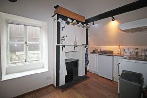 ** UNDER OFFER WITH MAWSON COLLINS ** Flat 4, 5 Mill Street