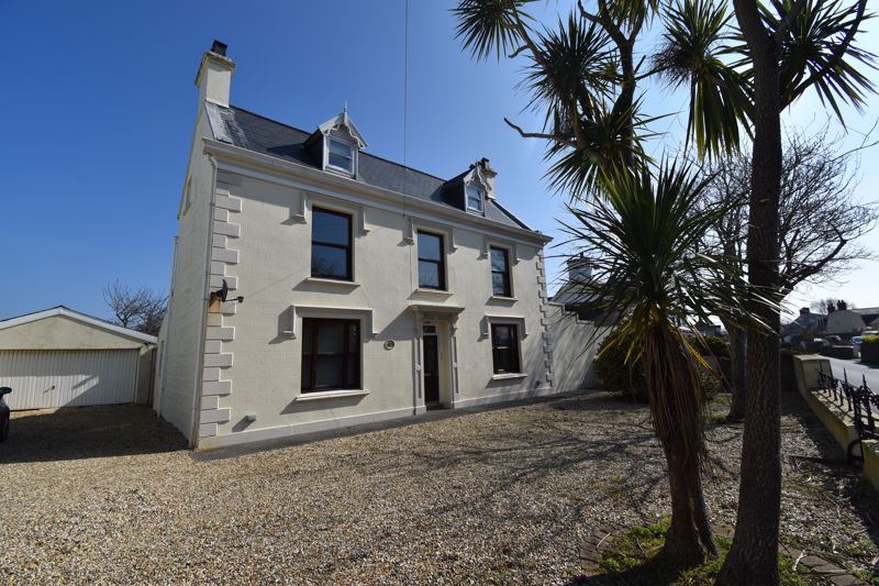 **UNDER OFFER WITH MAWSON COLLINS** Maison Numero Trois