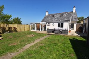 ** UNDER OFFER WITH MAWSON COLLINS **  Caswell Russel Road