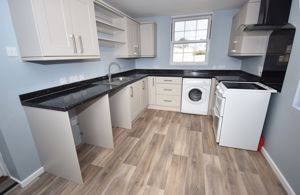 ** UNDER OFFER WITH MAWSON COLLINS ** Flat 2, Beau Sejour Vale Road