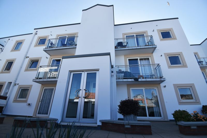 ** UNDER OFFER WITH MAWSON COLLINS ** Apt. 18, La Reserve, Les Amballes