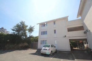 Flat 5 Mont Clare, Sohier Road