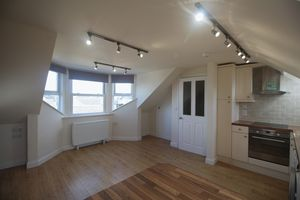 ** UNDER OFFER WITH MAWSON COLLINS **  Top Flat, Ballater Guelles Road
