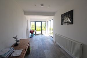 ** UNDER OFFER WITH MAWSON COLLINS ** En-Suite Double Room 2 Rue De La Cache