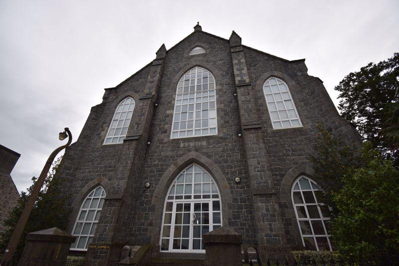 Apt. 1 Haute Chapelle, Victoria Road