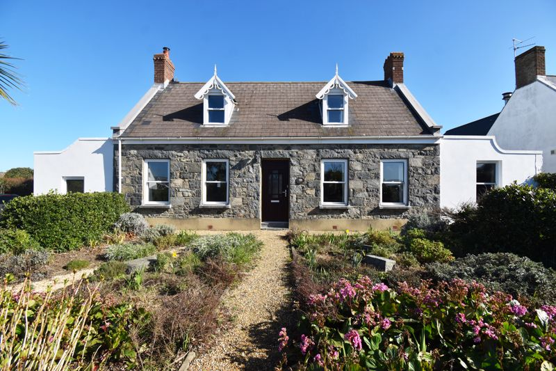 ** UNDER OFFER WITH MAWSON COLLINS **  Le Menage, Route De La Passee