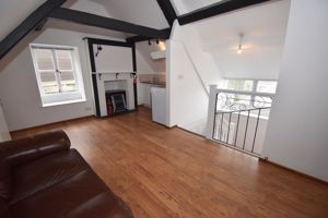** UNDER OFFER WITH MAWSON COLLINS** Flat 4, 5 Mill Street